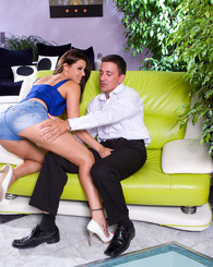 Gorgeous babe Cindy fucks on this couch wearing short jeans